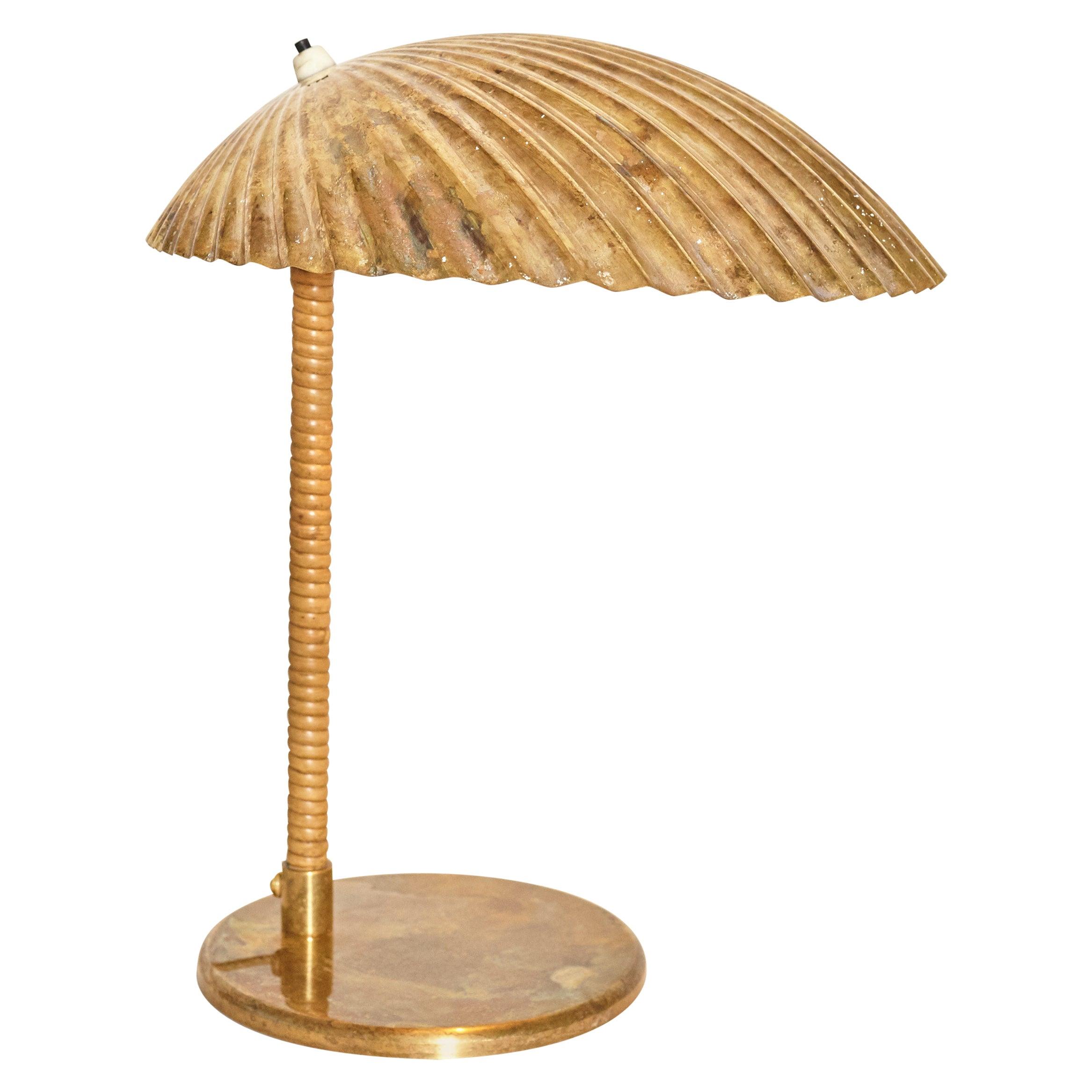 Paavo Tynell Simpukka 'Clam' Table / Desk Lamp, Taito Oy, Finland, 1930s-1940s