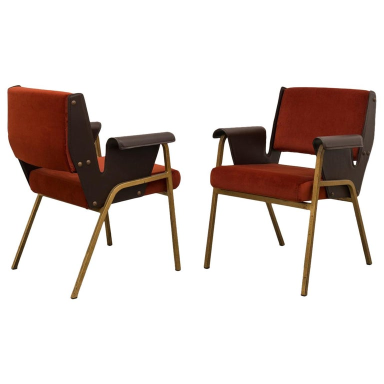 Gustavo Pulitzer Pair of Velvet and Leather Albenga Armchairs for Arflex, 1955 For Sale