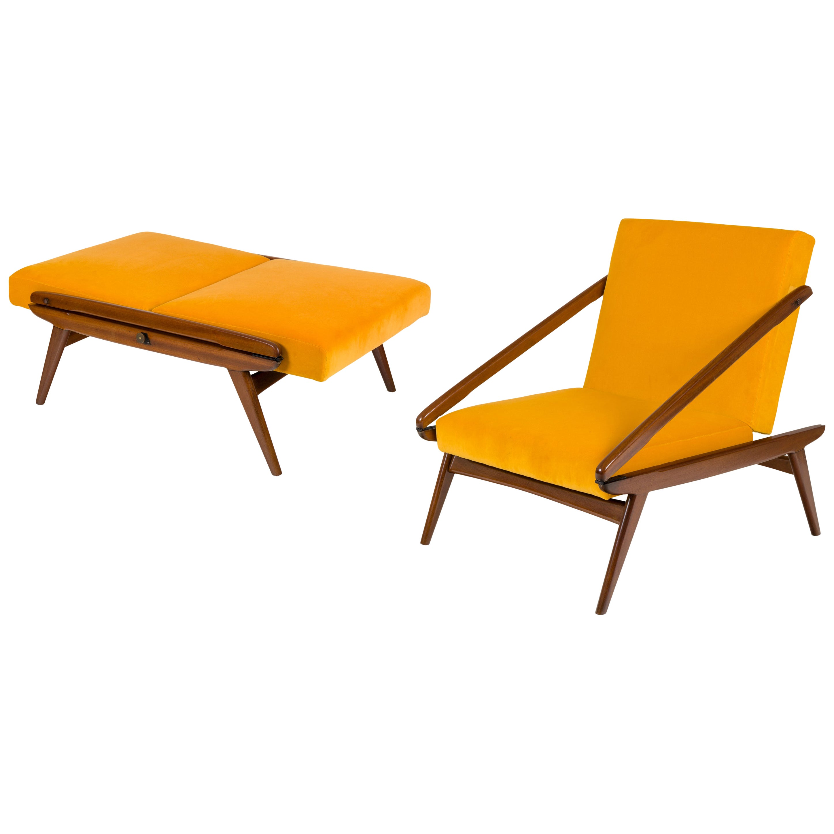 Gio Ponti Adjustable Armchairs/Ottomans, Italy 1955