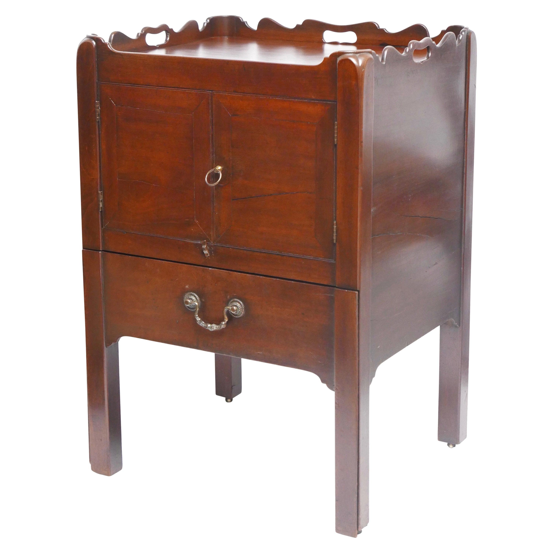 Georgian Mahogany Gentleman's Washstand, Side Table Cabinet, English, circa 1820