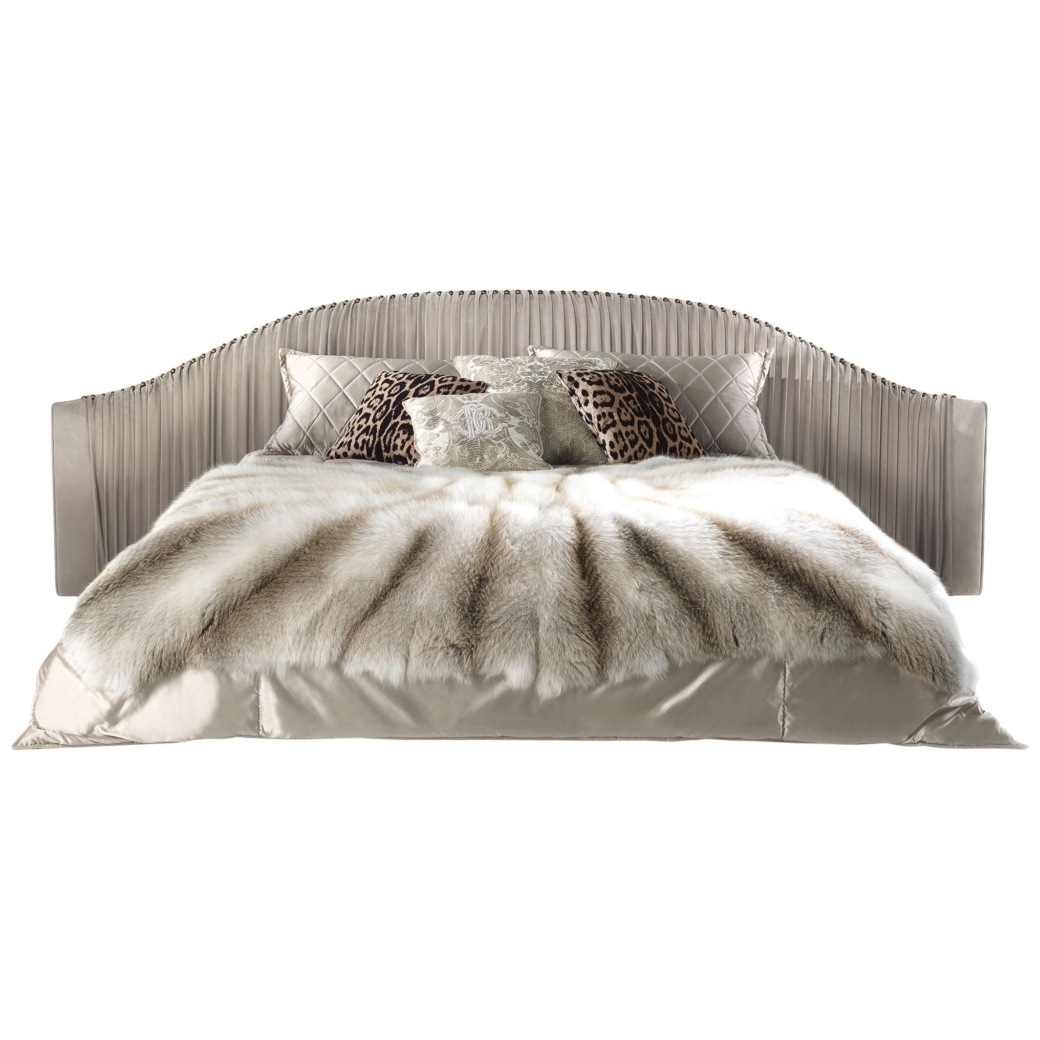 Sharpei Bed in Leather by Roberto Cavalli Home Interiors