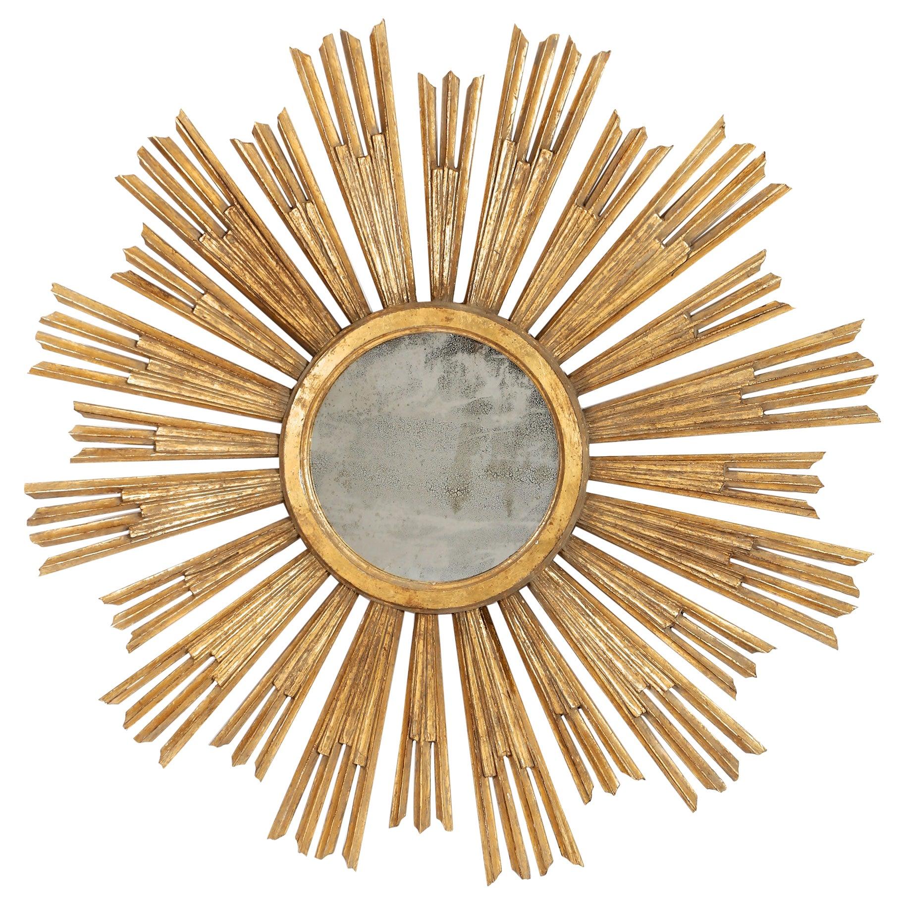 Italian Early 20th Century Gold Giltwood Sunburst Mirror of Large Scale