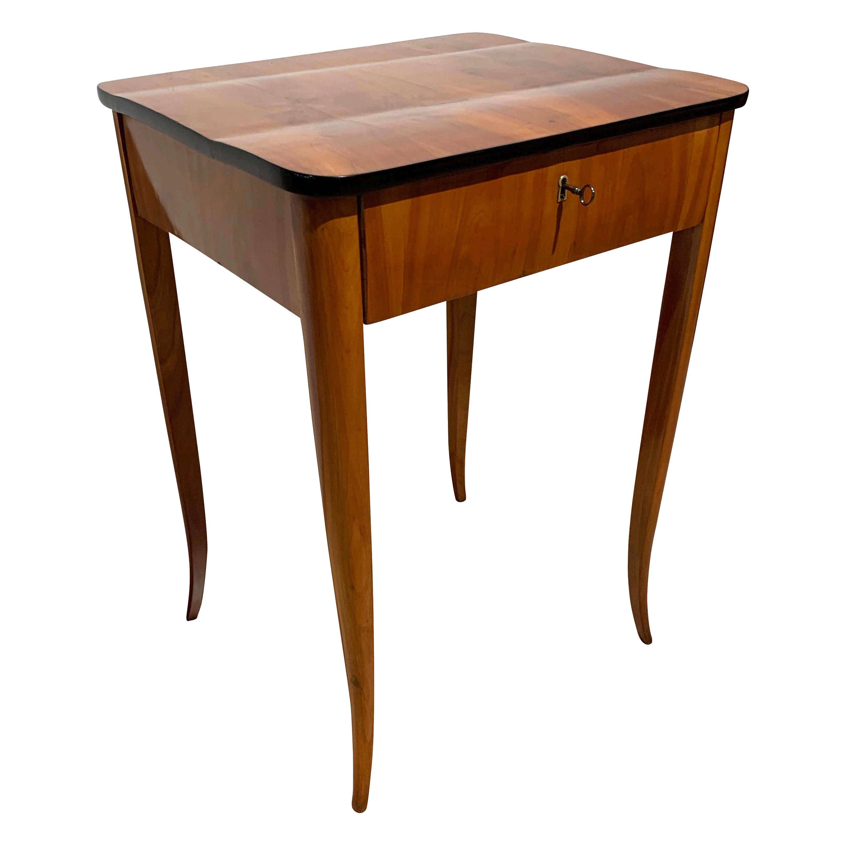 Biedermeier Sewing / Side Table, Cherry Veneer, South Germany, circa 1830