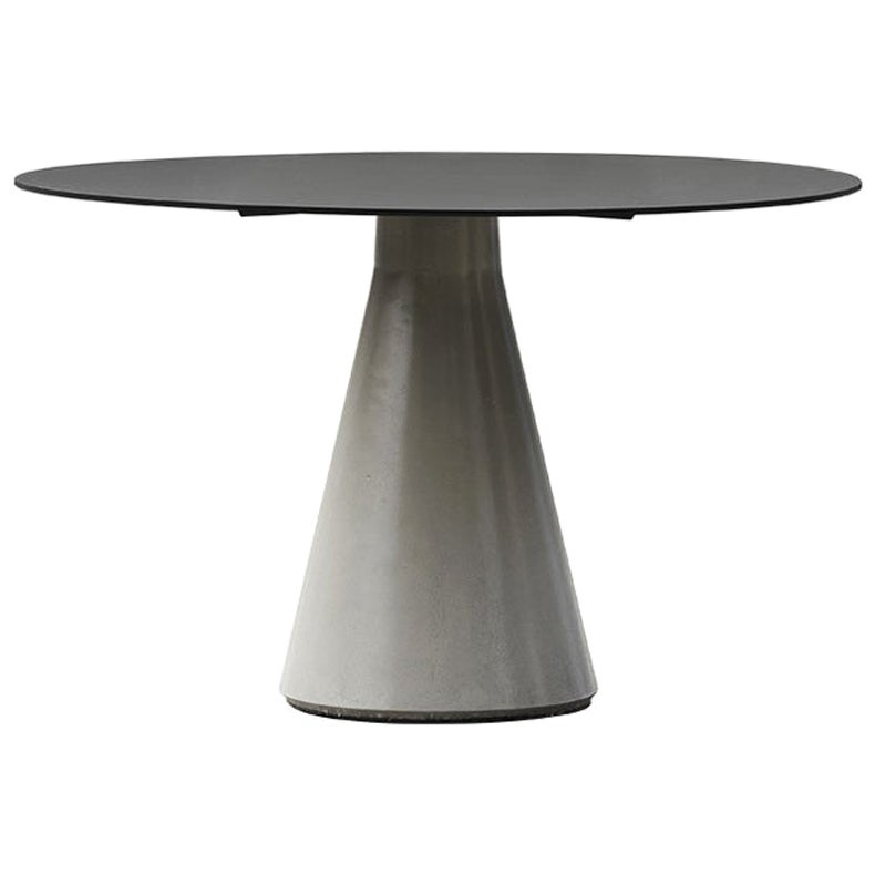 Round Dining Table 'DING' Made of Concrete and Aluminum