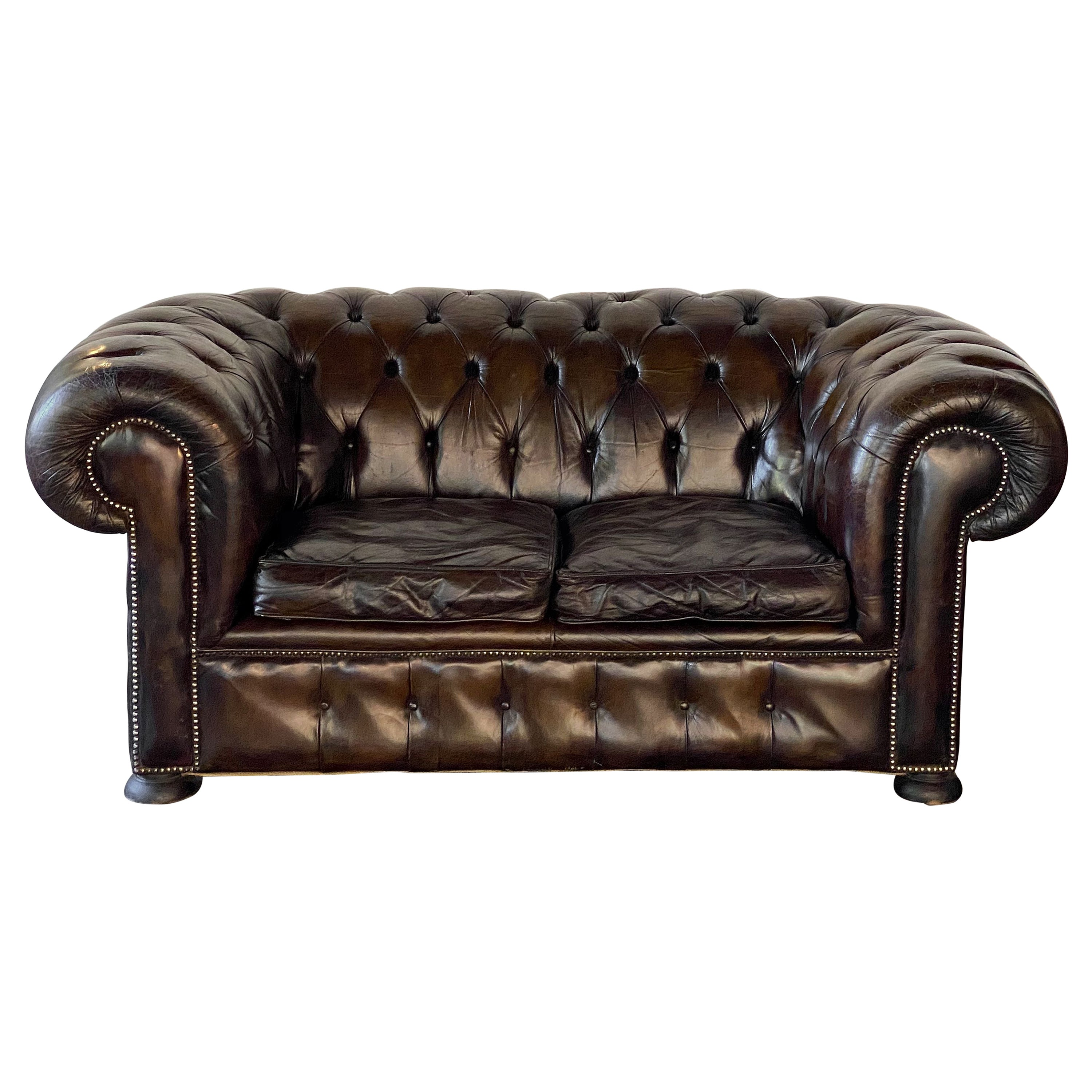English Chesterfield Sofa of Tufted Leather
