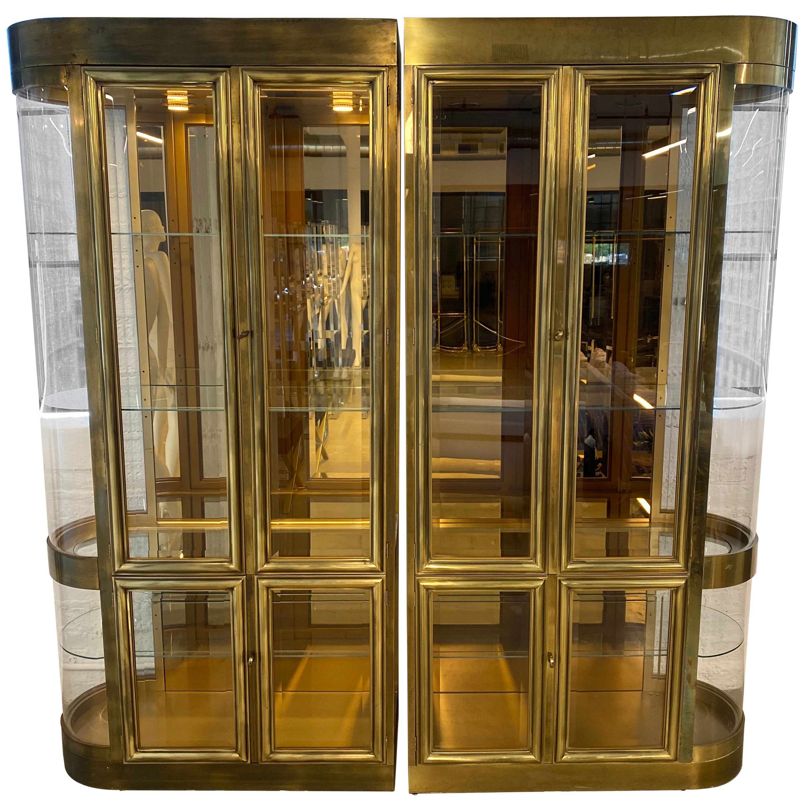 Two Part Mastercraft Designed Brass Glass Display Vitrine