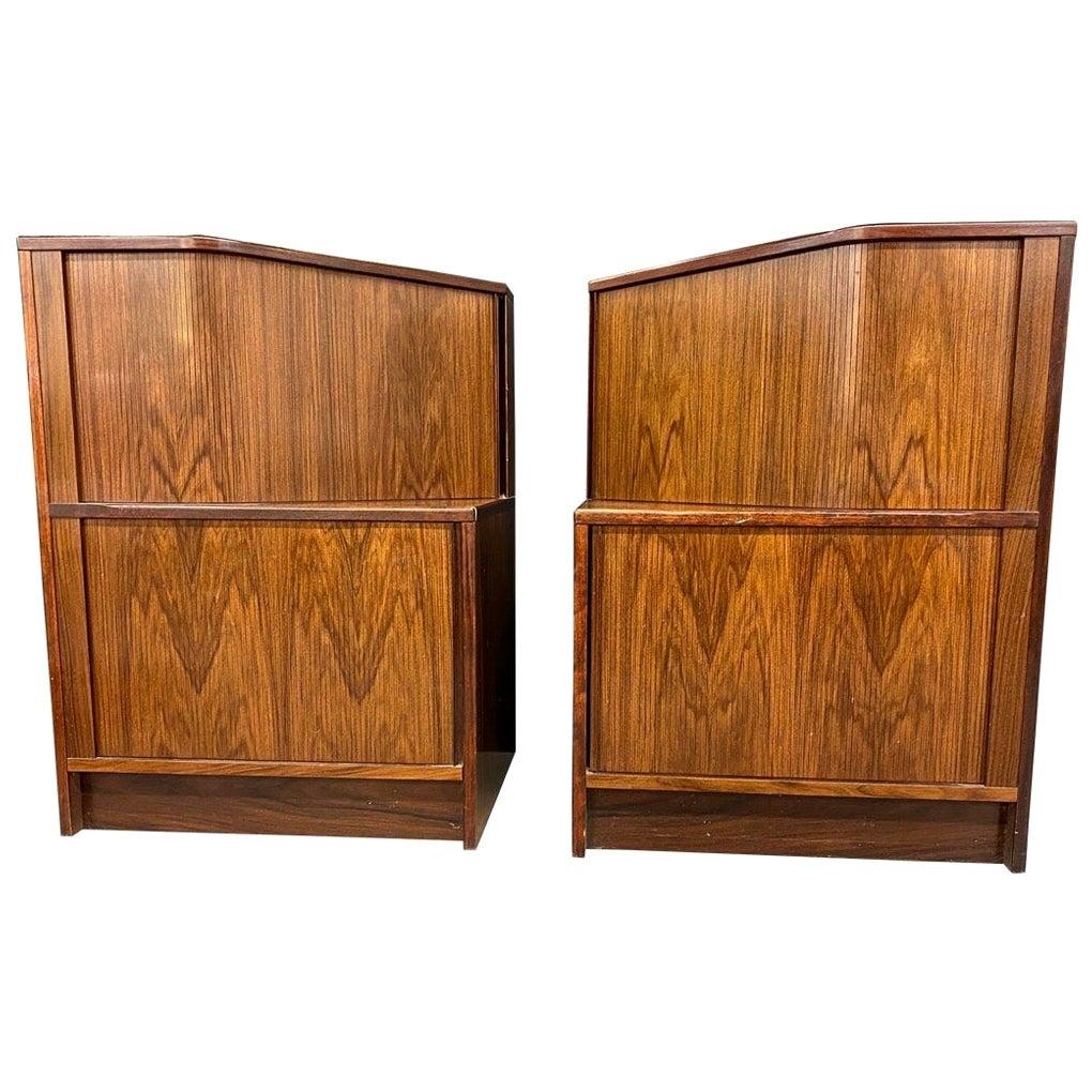 Unusual in Shape Pair of Mid-Century Modern Rosewood End Tables Nightstands