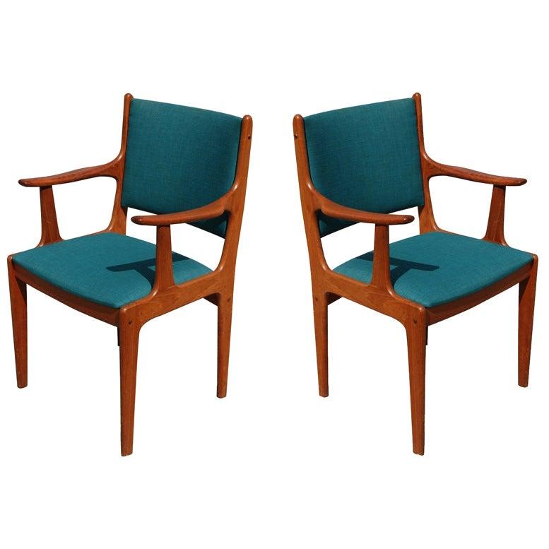 Set of Eight Johannes Andersen for Uldum Mobelfabrik Danish Teak Dining Chairs