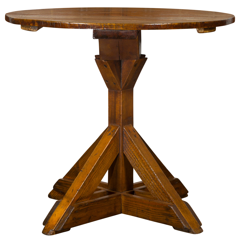 English 1860s Oak and Pine Circular Top Side Table with Sawbuck Base