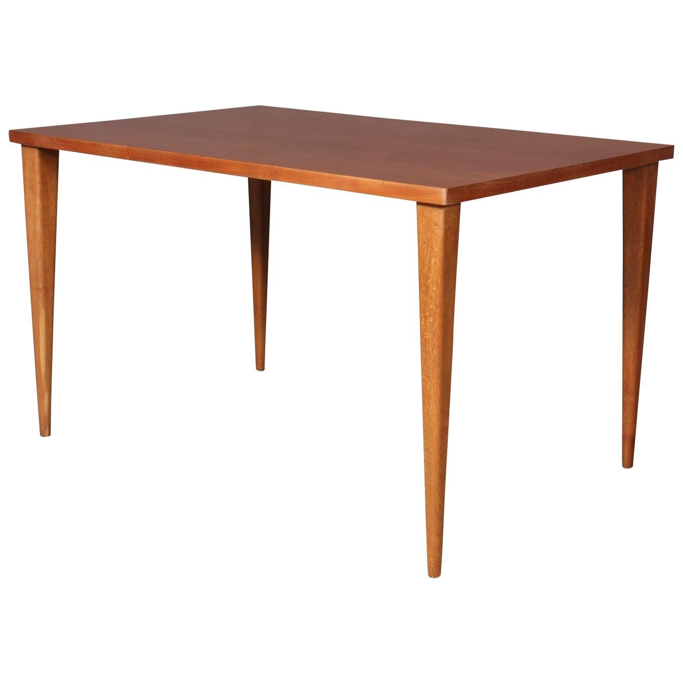 Nanna & Jørgen Ditzel, Table
