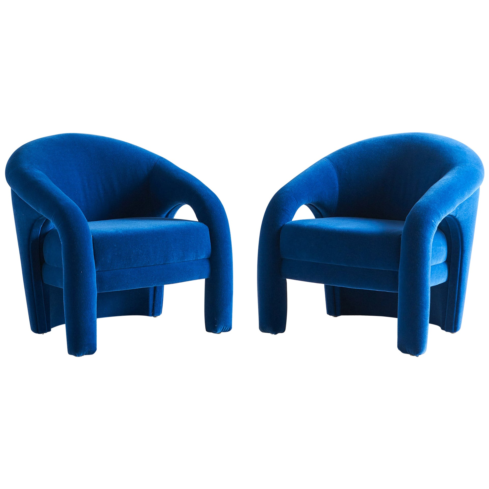Pair of Sculptural Lounge Chairs in the Style of Vladimir Kagan