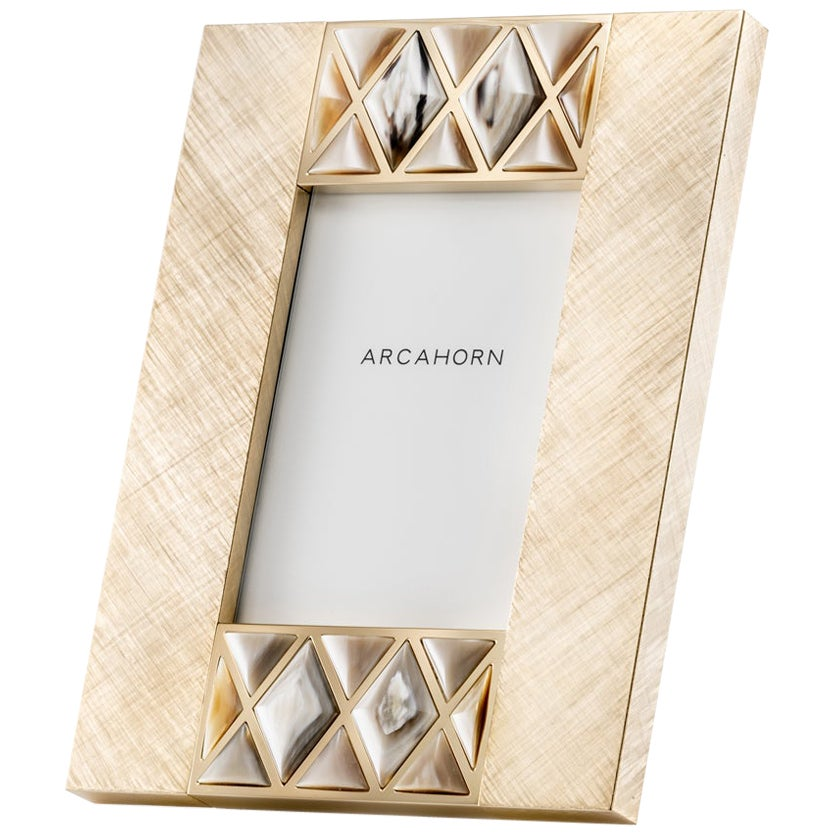 Dalila Picture Frame in Corno Italiano and Hand Engraved Gilded Brass, Mod. 4001