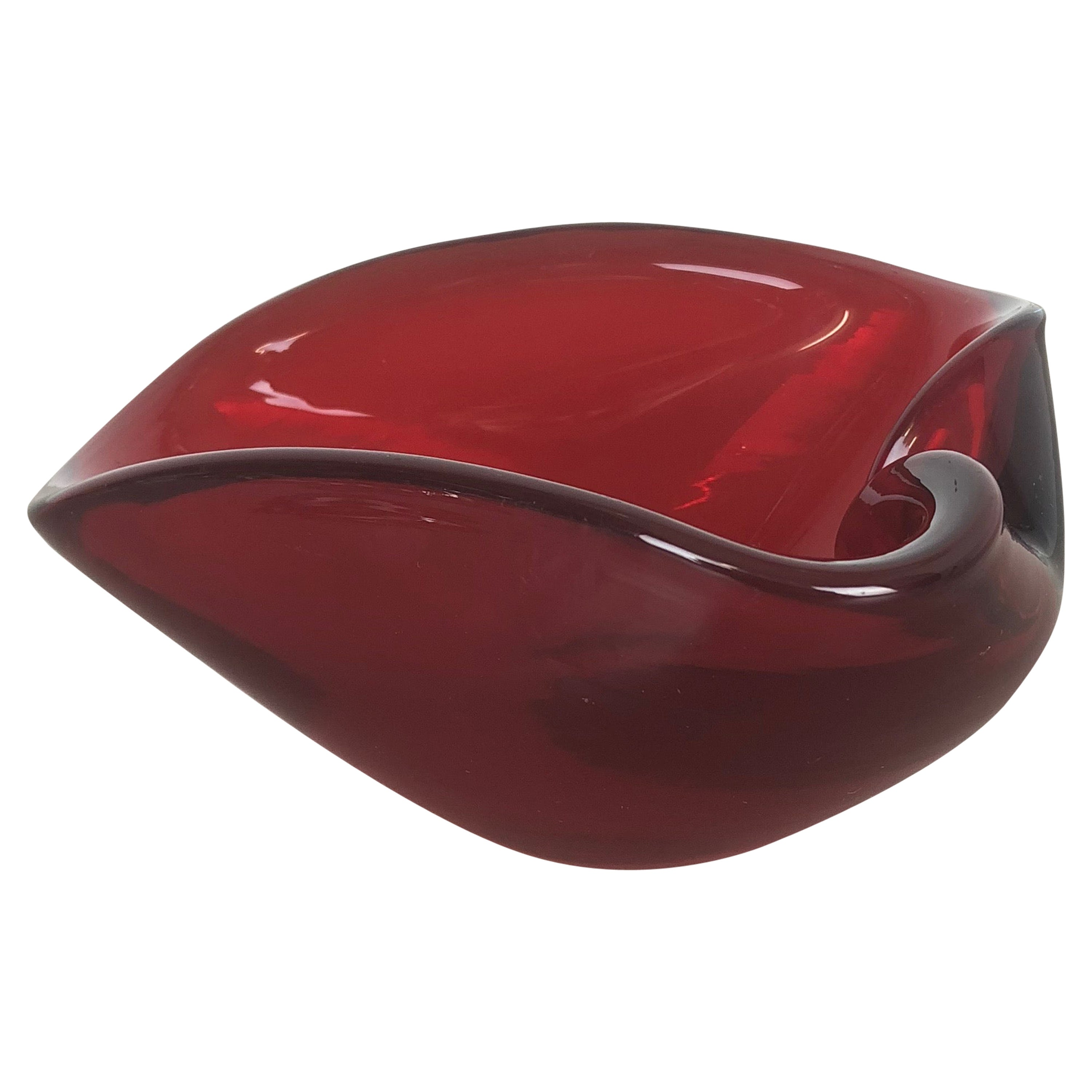 """Murano Glass """"red leaf"""" Bowl Element Shell Ashtray Murano, Italy, 1970s"""
