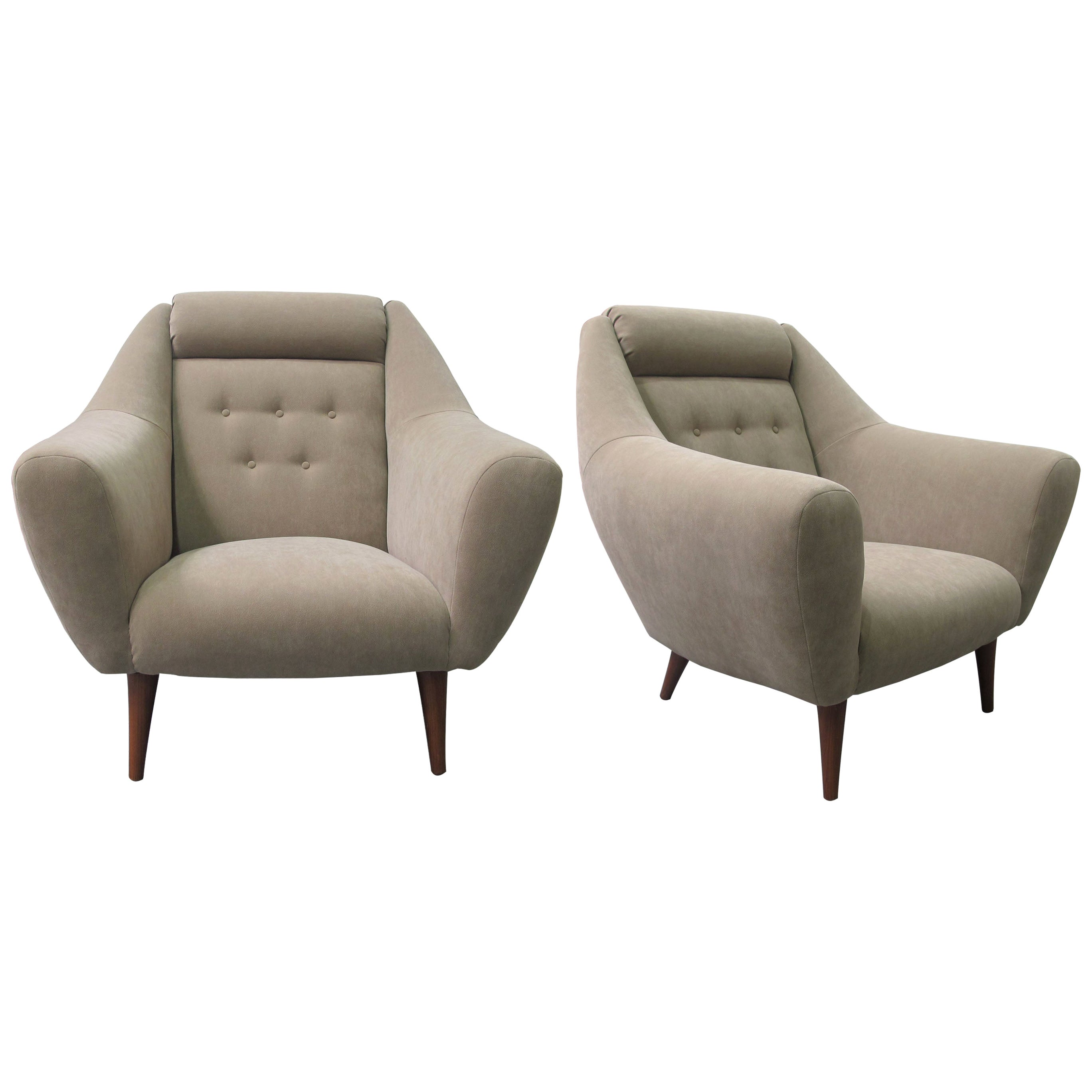 1960s Large Pair of French Armchairs Newly Reupholstered with Cone Shaped Legs