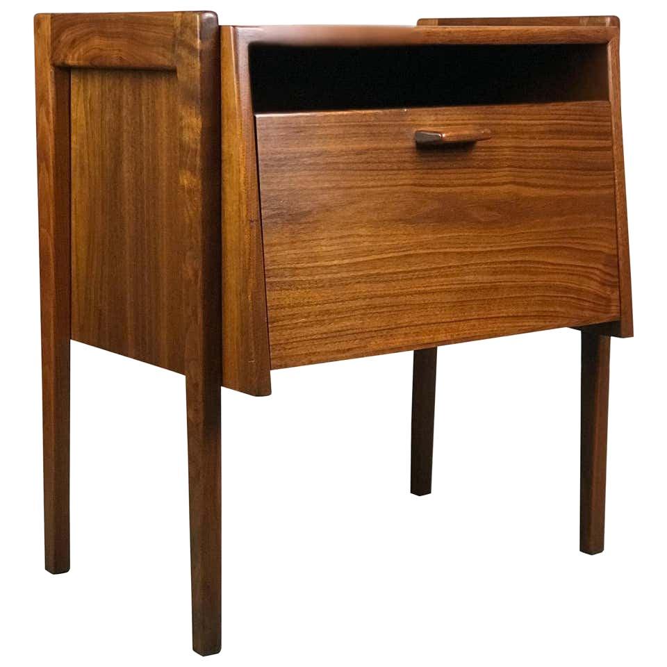 Mid Century Modern Nightstand or Side Table in Walnut by Jens Risom