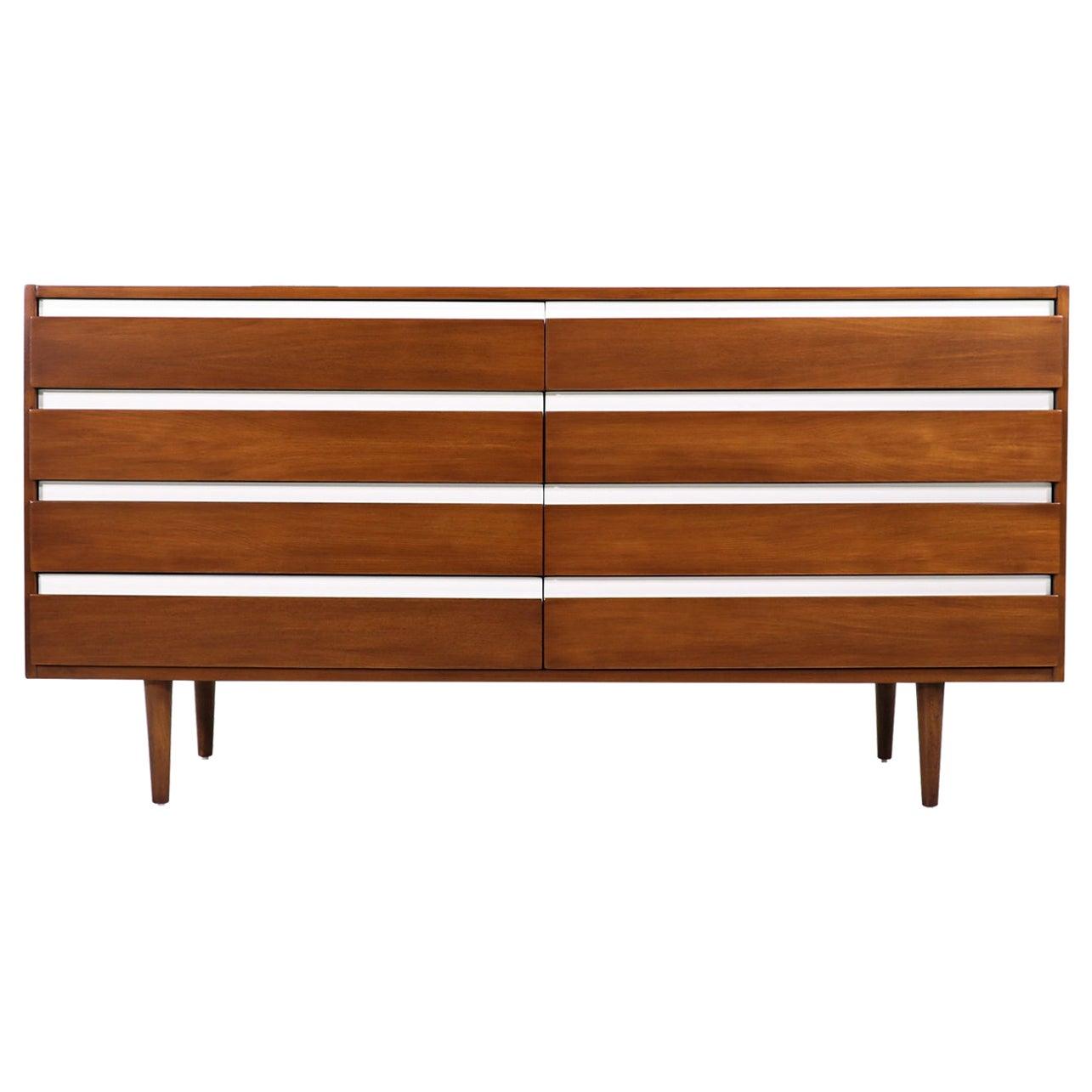 Mid-Century Modern 8-Drawer Dresser by American of Martinsville