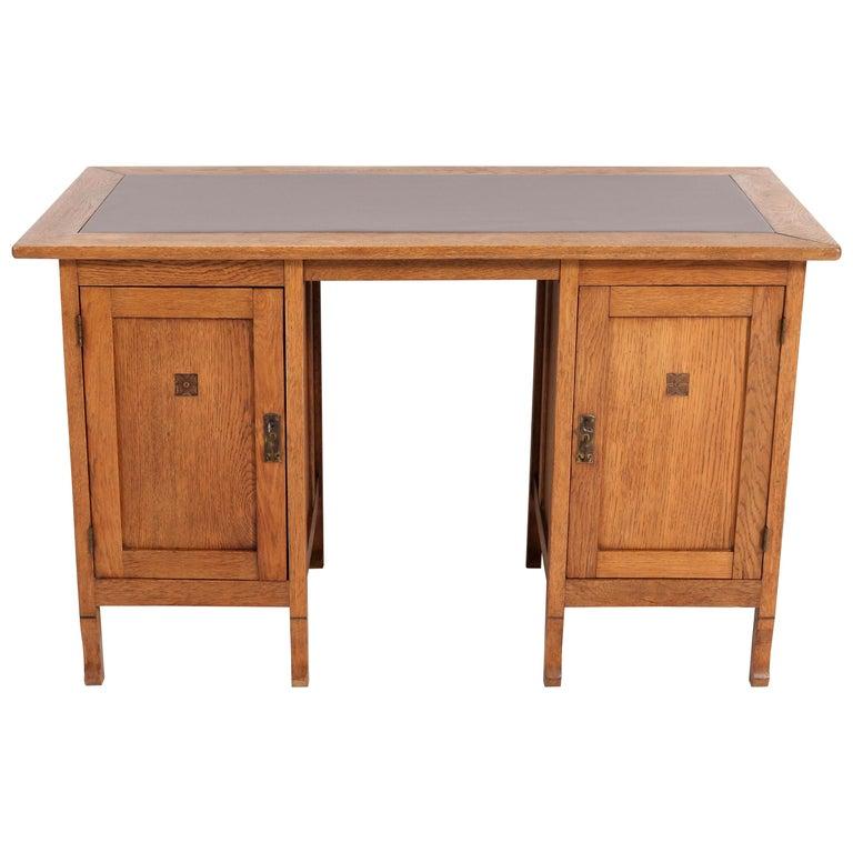 Oak Art Nouveau Arts & Crafts Pedestal Desk, 1900s For Sale