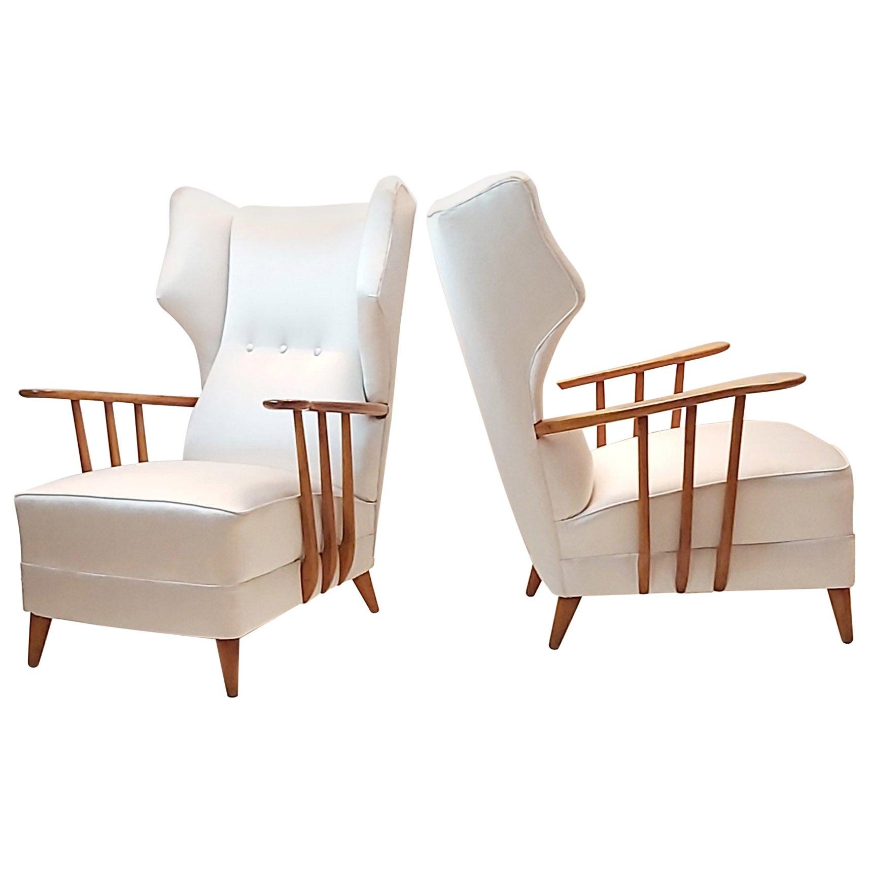 Mid-Century Modern pair of White Satin Ico Parisi Armchairs, Como, 1950s
