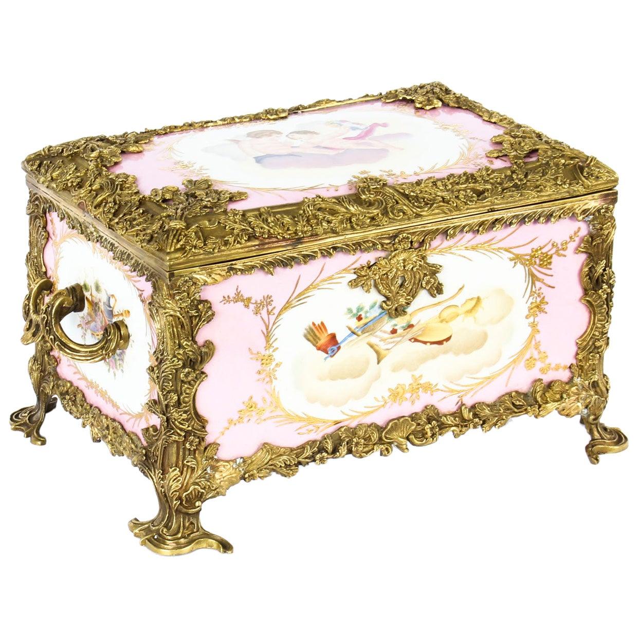 Vintage Russian Revival Rose Pink Porcelain Jewellery Casket, 20th Century