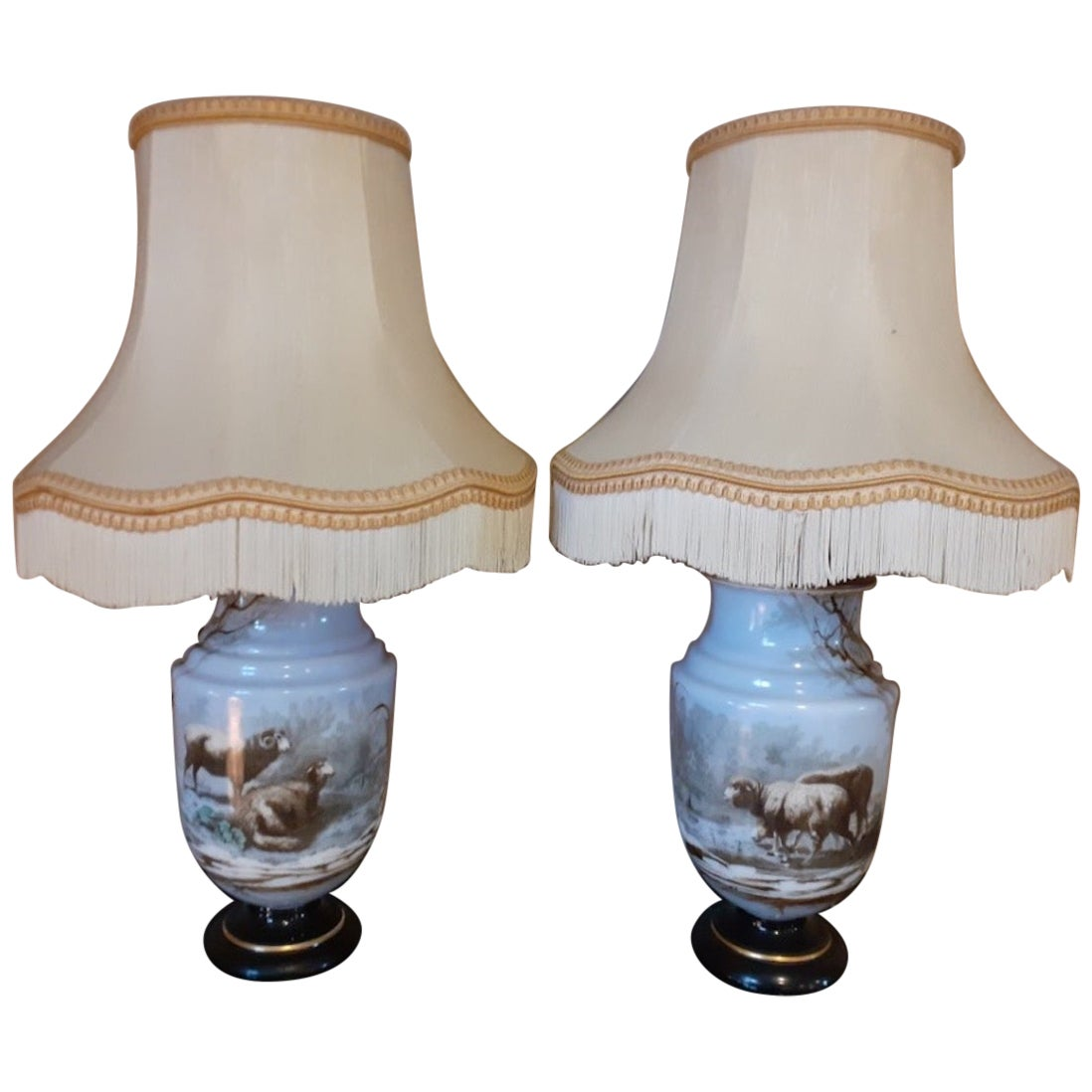 Early 20th Century French Opaline Glass Pair of Table Lamp, 1900s