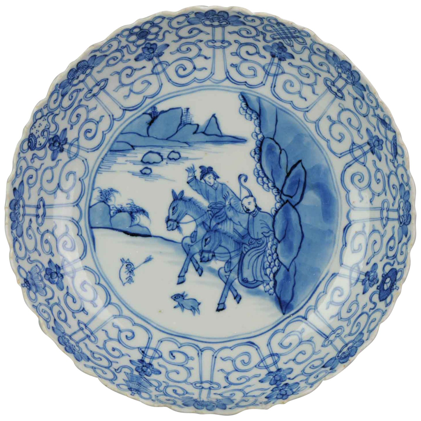 Antique Kangxi Chinese Porcelain Blue and White Dish Hunter Porcelain Marked