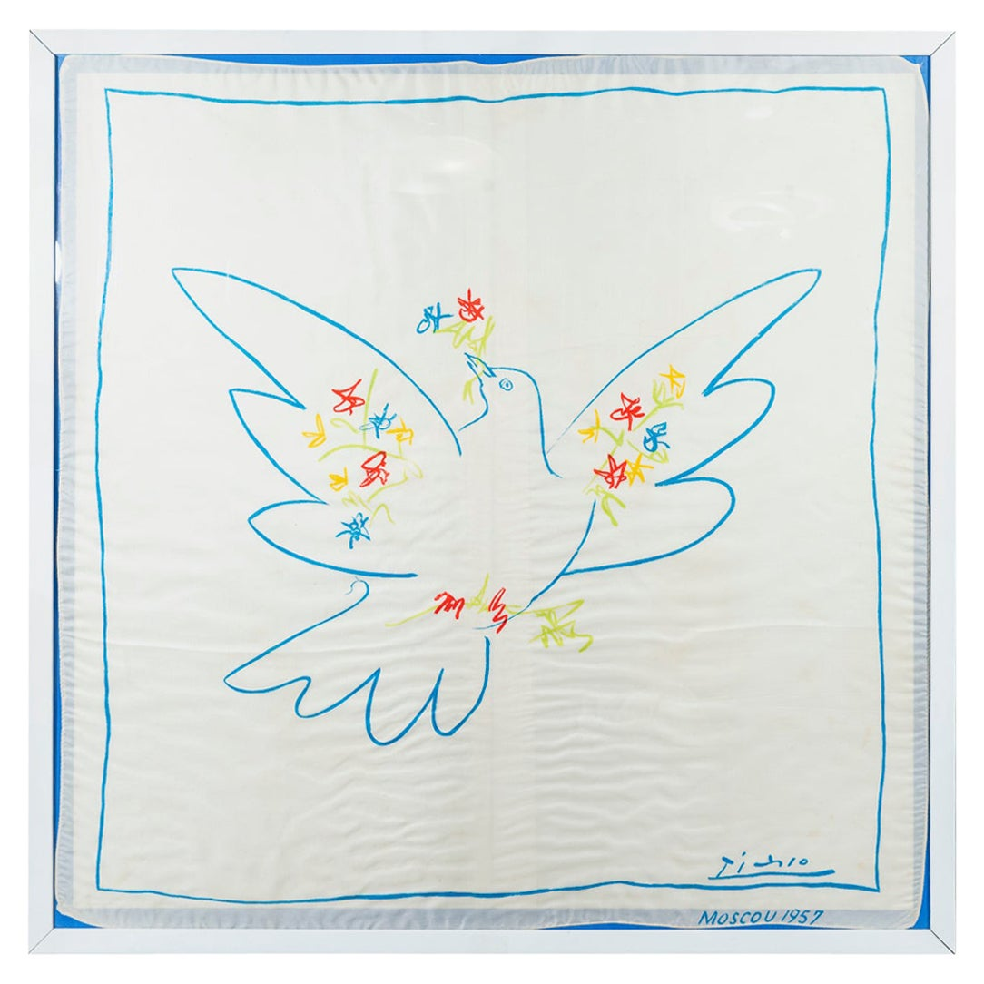 Picasso, La Colombe, Silkscreen printed on cotton, Moscow 1957