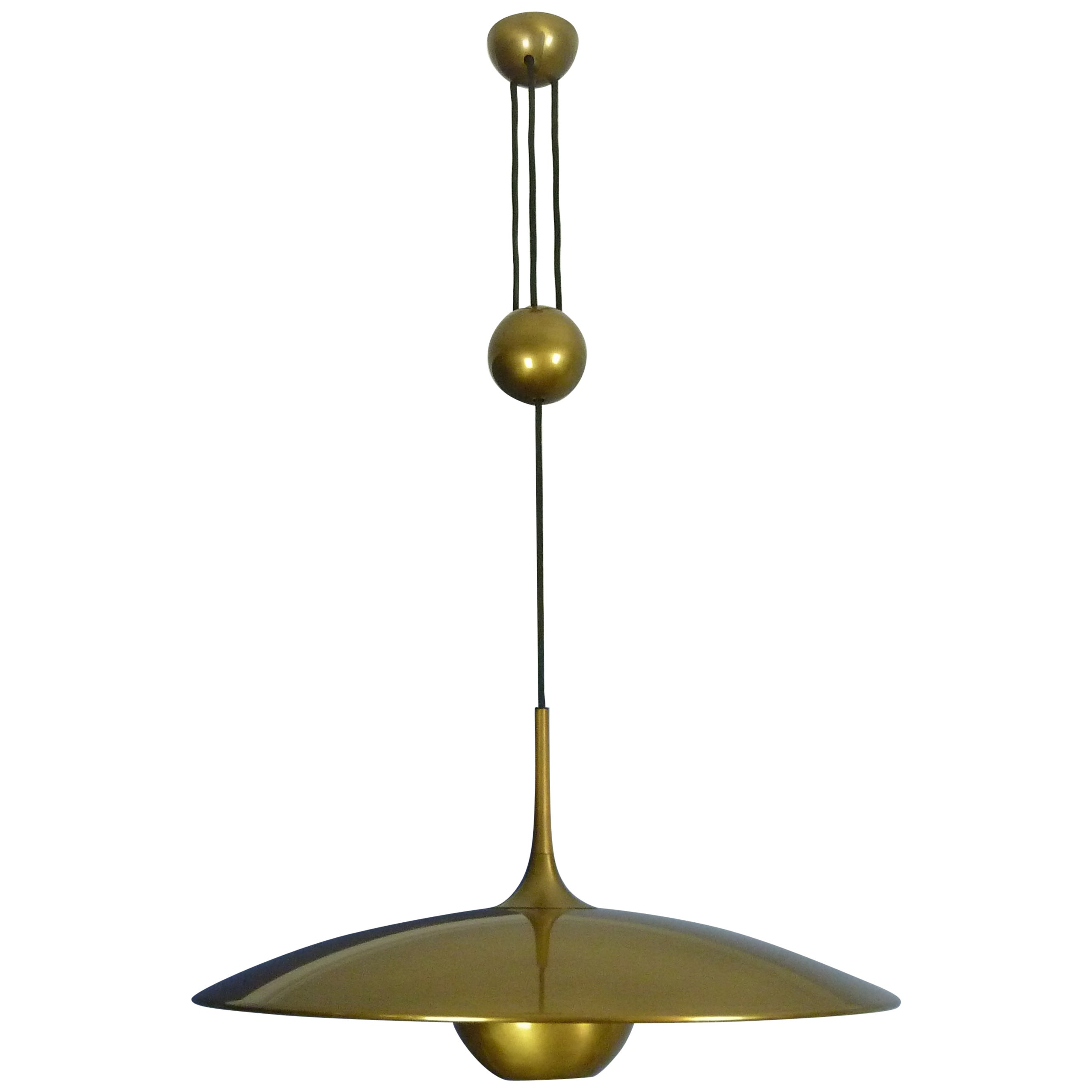 Adjustable Brass Pendant Onos55 by Florian Schulz with a Central Counterweight
