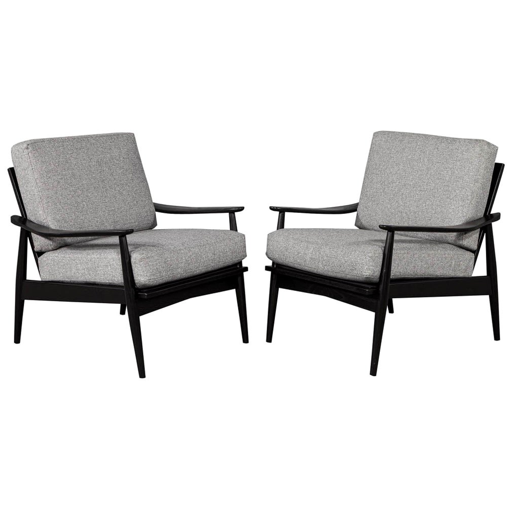 Pair of Vintage Mid-Century Modern Lounge Chairs