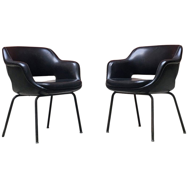 Italian Mid-Century Modern Black Leather Armchairs by Cassina, 1970s