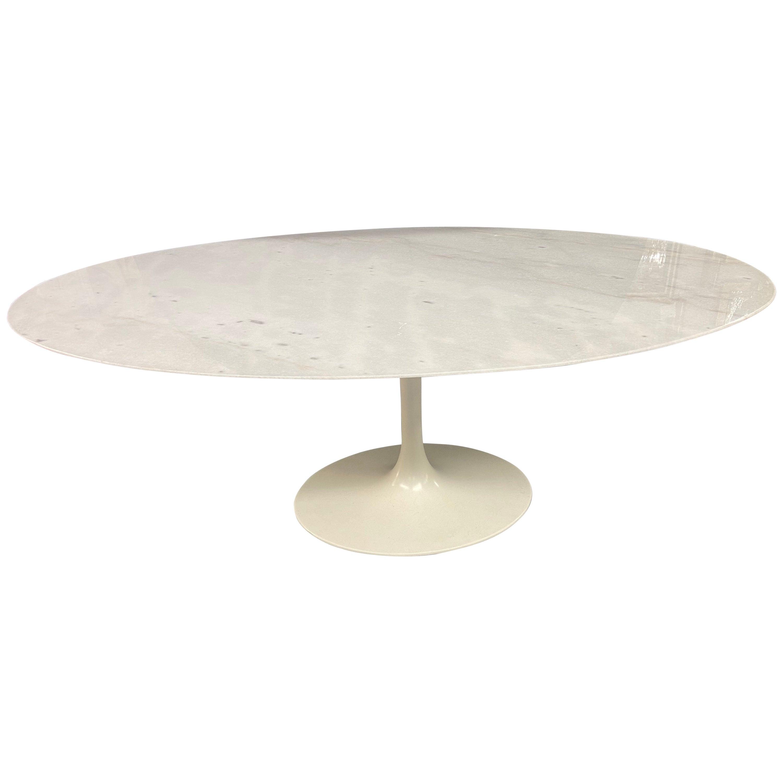 Mid-Century Modern Eero Saarinen for Knoll Oval Marble-Top Tulip Dining Table