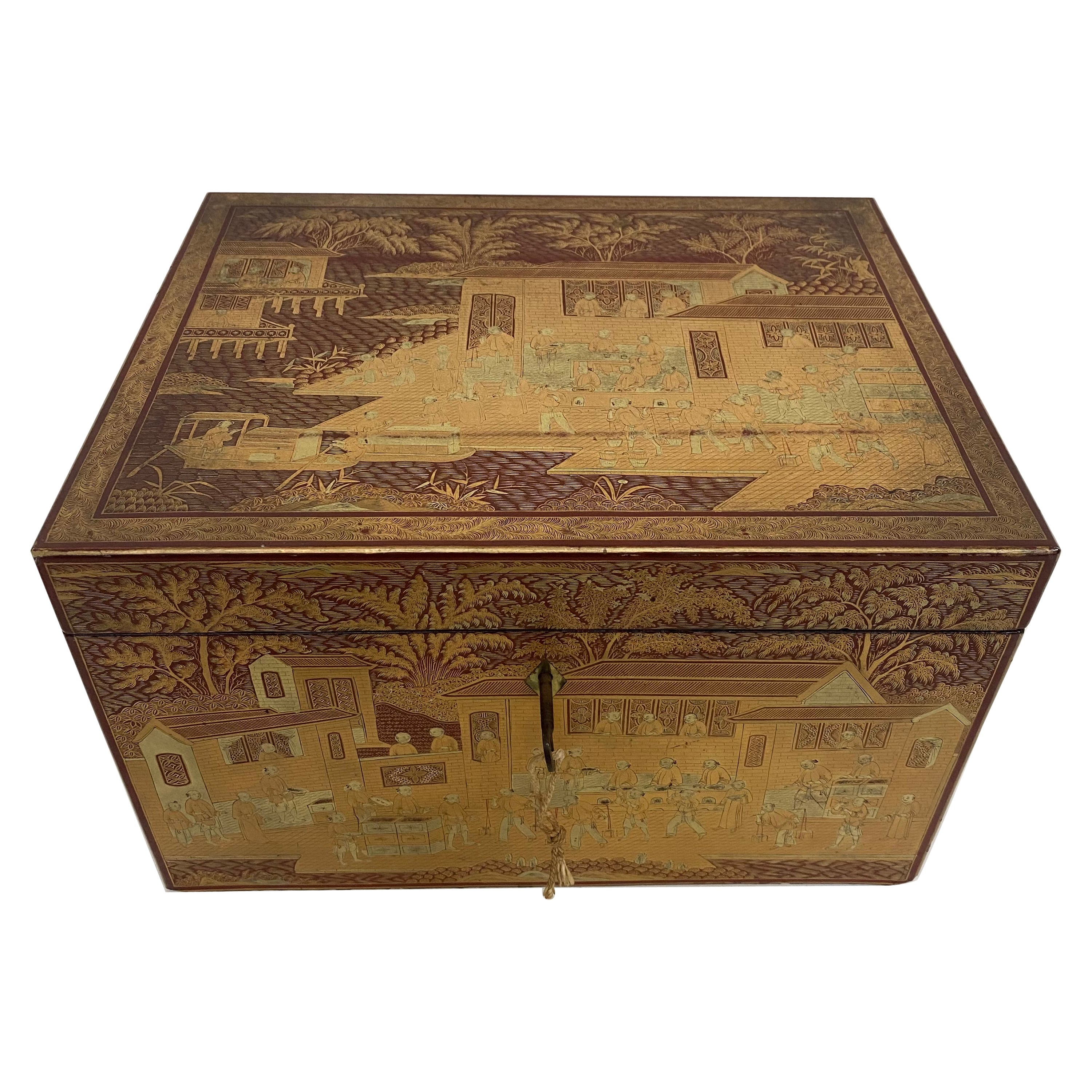 19th Century Large Gilt Lacquer Chinese Tea Caddy