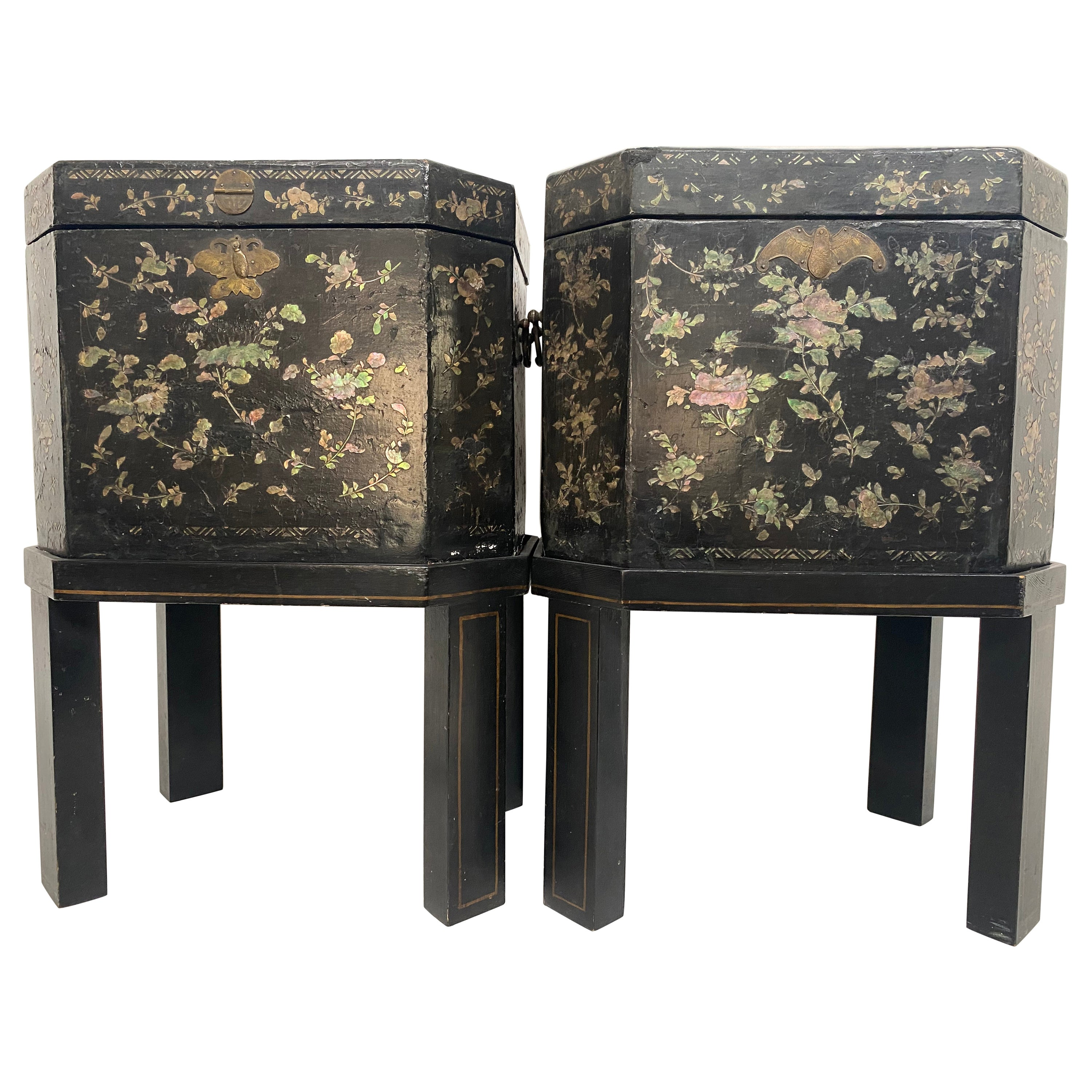 19th Century Unique Pair of Shell Inlaid Black Lacquer Big Chinese Tea Caddies