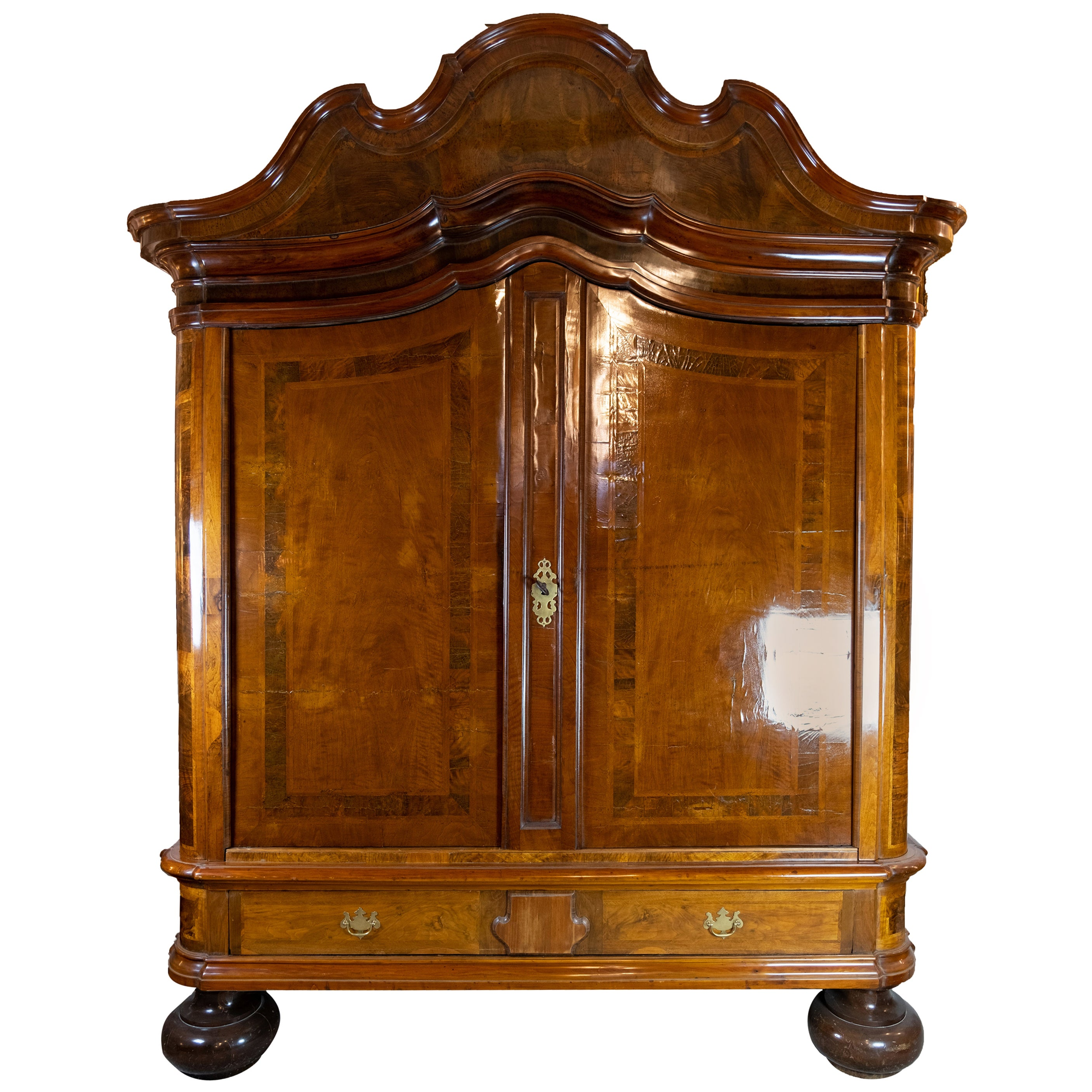 Northern German Baroque Cabinet of Walnut and Oak from circa 1730