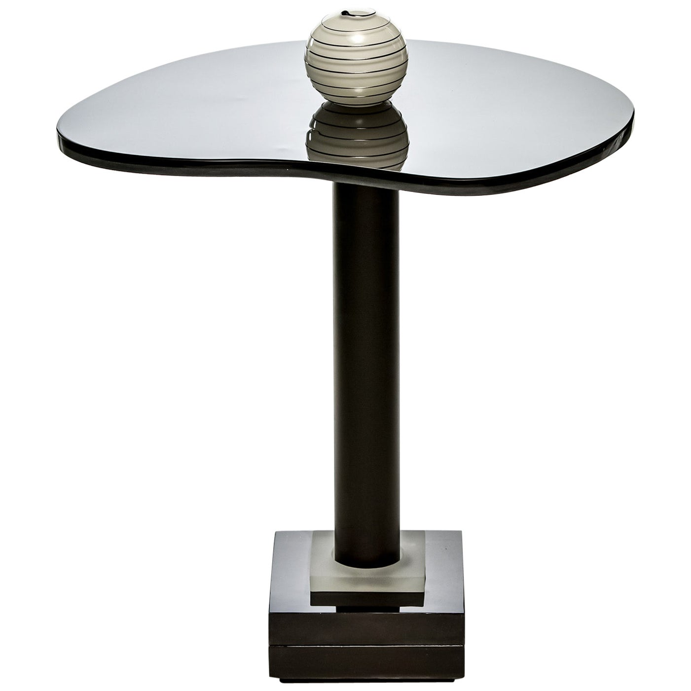 Contemporary Round Side and Coffee Tables Murano Glass Black and White 1