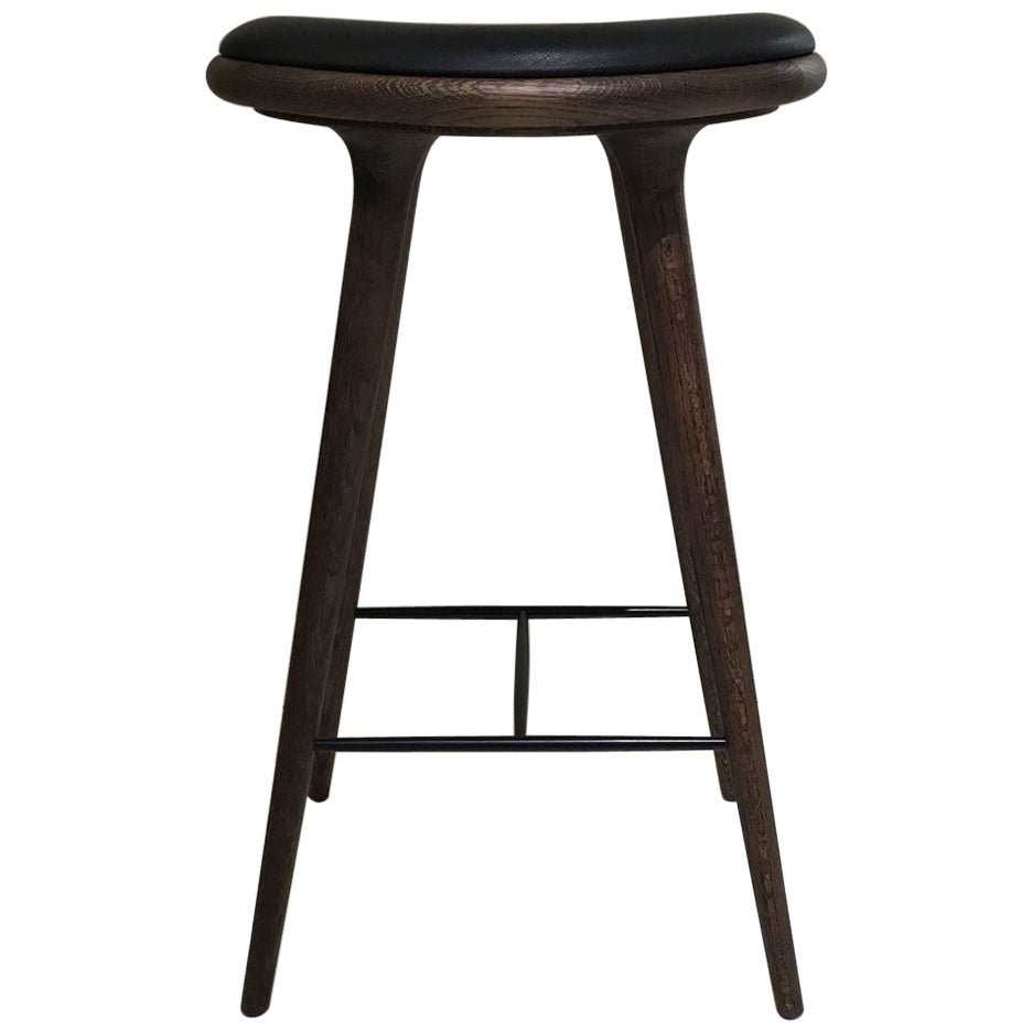 Wood Bar Stool in Dark Stained Oak with Black Leather Seat