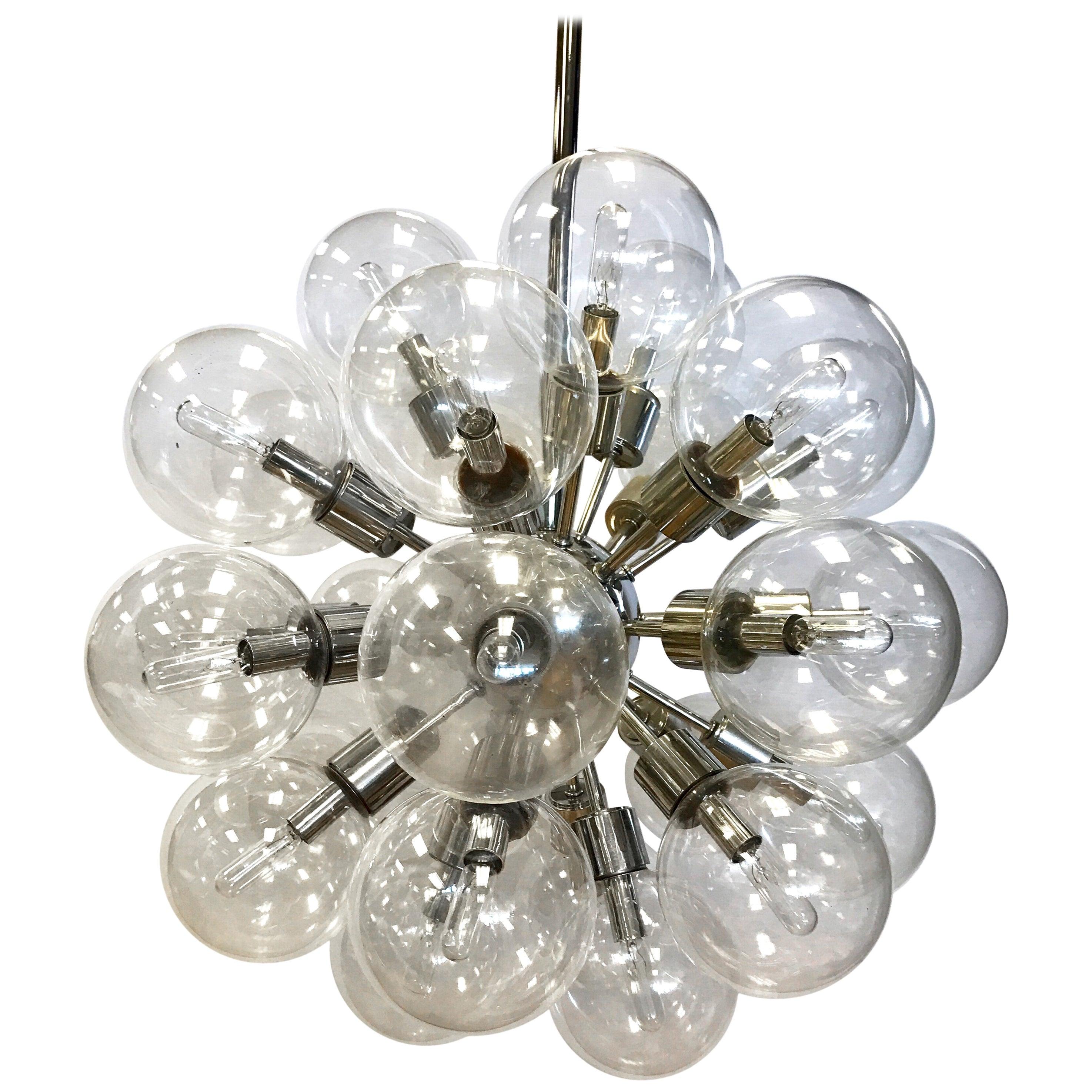 Lightolier 1960s Mid-Century Modern Sputnik Atomic Chandelier 30 Glass Globes