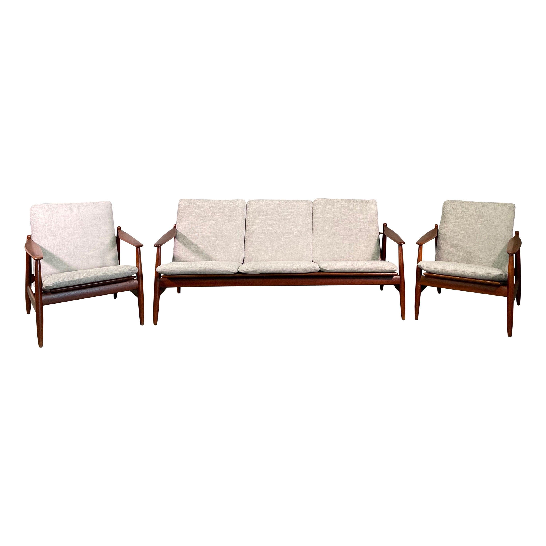 Set Sofa and Pair of Armchair by Hans Olsen, Frem Røjle