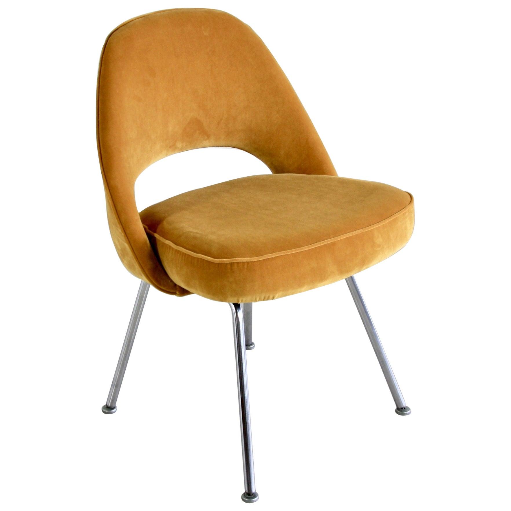 Eero Saarinen Conference Chair, Knoll International