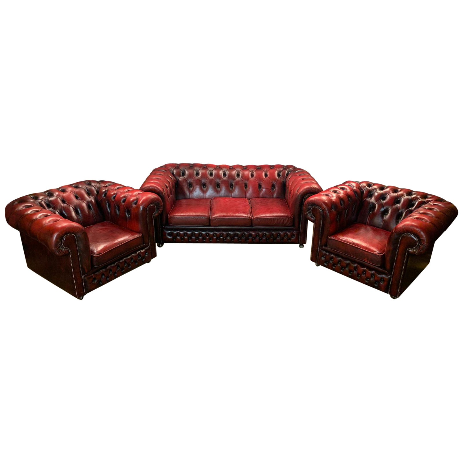 Original Chesterfield Set Three-Seat Sofa and 2 Armchairs in Bordeaux