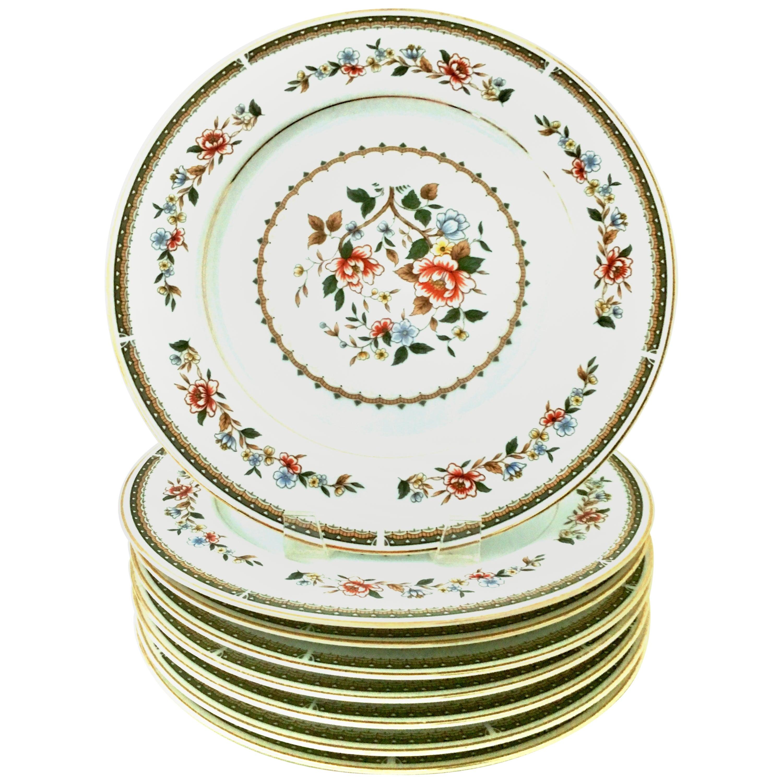 Japanese Porcelain and 22-Karat Gold Floral Motif Dinner Plates, Set of 8