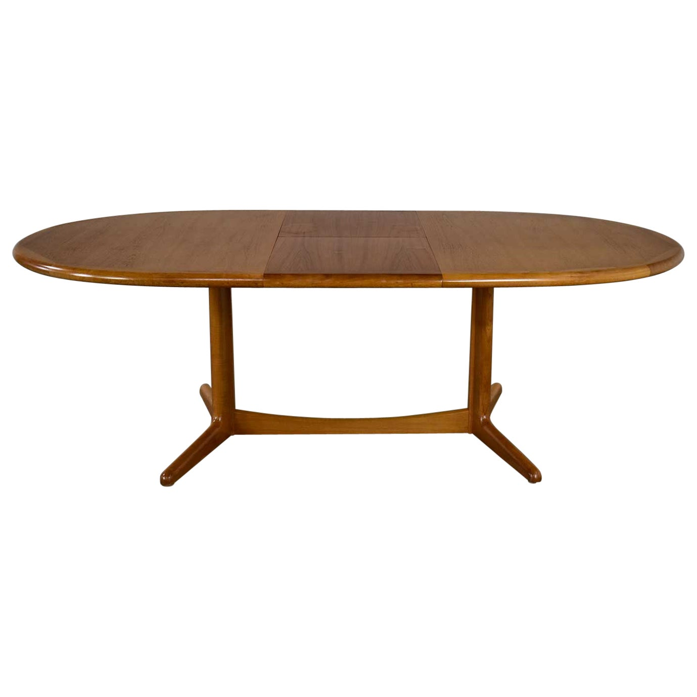 Scandinavian Modern Teak Oval Dining Table with Integral Leaf Style Dyrlund