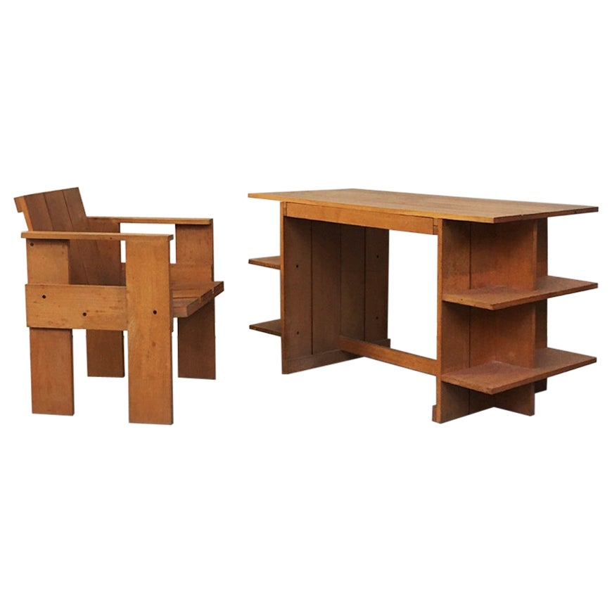 Italian Beech Wood Crate Chair and Desk by G. Rietveld for Cassina, 1934