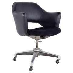 Saarinen Style Mid Century Wheeled Desk Chair