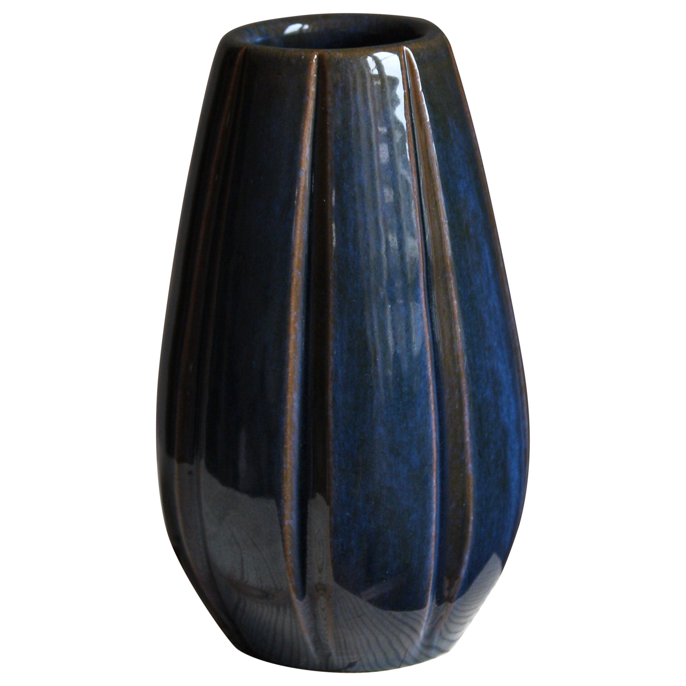 Vicke Lindstrand, Vase, Glazed Stoneware, Upsala-Ekeby, Sweden, 1940s