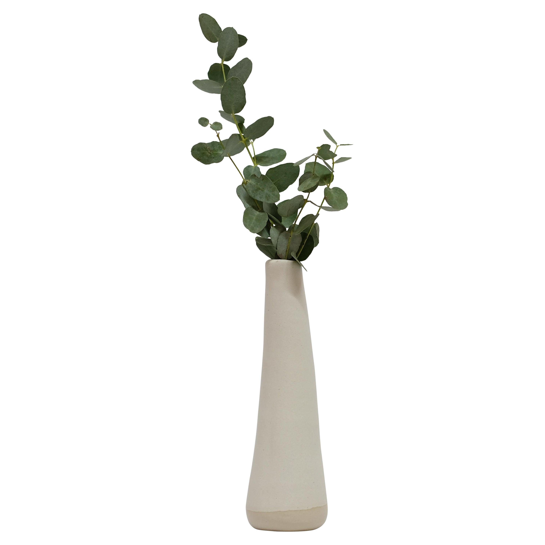 Solitario Stoneware Vase by Camila Apaez
