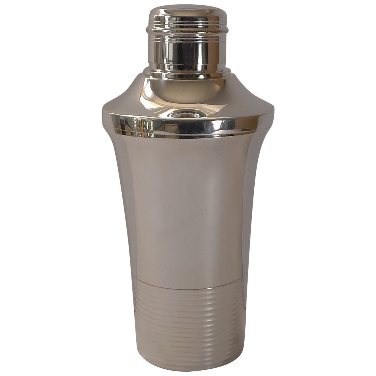 Stylish French Art Deco Silver Plated Cocktail Shaker, c.1930