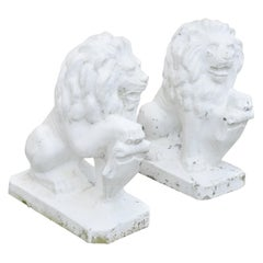 Italian Classical Lion Shield Concrete Lawn Ornaments Garden Sculpture, a Pair