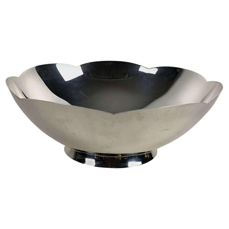 Art Deco Bowl by Tiffany & Co., New York, Sterling Silver, 1920-40s For Sale