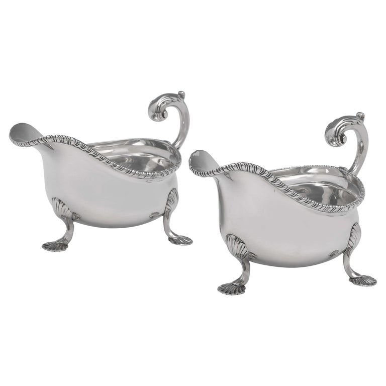 Victorian Sterling Silver Pair of Sauce Boats, London 1896, Lambert & Co. For Sale