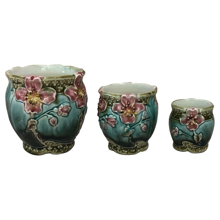 Set of Three Majolica Pots with Flowers Fives Lille Circa 1890 For Sale